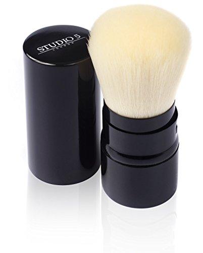 Einziehbarer Kabuki Pinsel von Studio 5 Cosmetics...